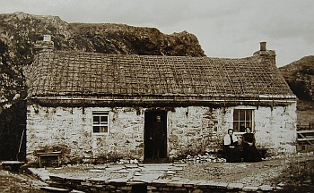Tarbert Thatched Cottage