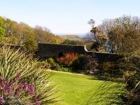 jura-house-garden