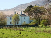 white-house-north-of-craighouse