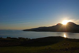 sunrise-paps-of-jura